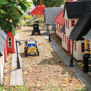 Legoland_miniland_auto_360x360
