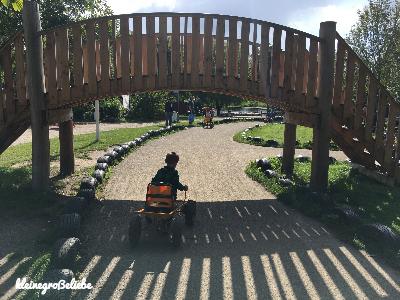 Madsby Legepark - Trafikskolen - Mooncar